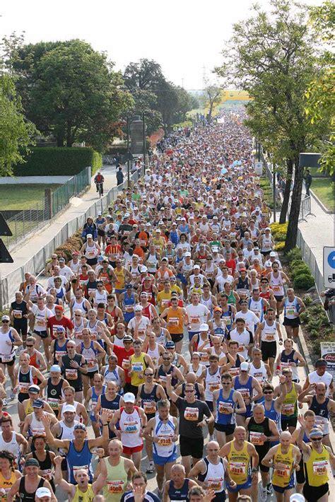 alimentazione maratona l alimentazione maratoneta con luca speciani