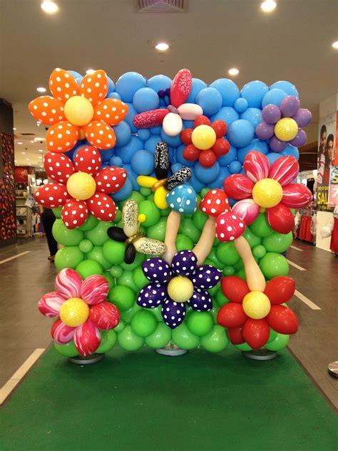 balloon flower backdrop display that balloons