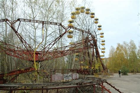 amusement park swing accident photo tr pripyat amusement park and chernobyl theme