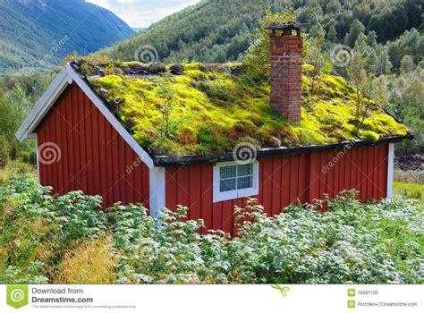 hutte norvege horizontal de la norv 232 ge d automne avec la hutte photo