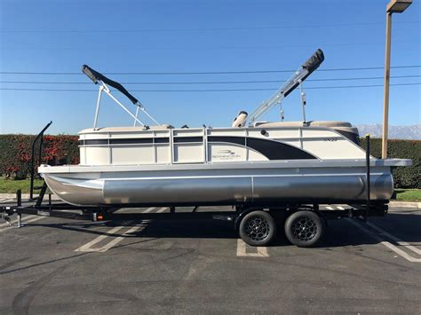bennington boats ontario 2018 new bennington 22 ssrxfb pontoon boat for sale