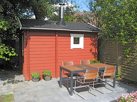 tuinhuis verven of beitsen tuinhuis verven met moose f 228 rg simpel en mooi