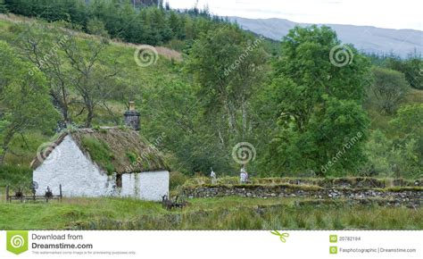 cottages in scottish highlands an abandoned cottage in the scottish highlands stock