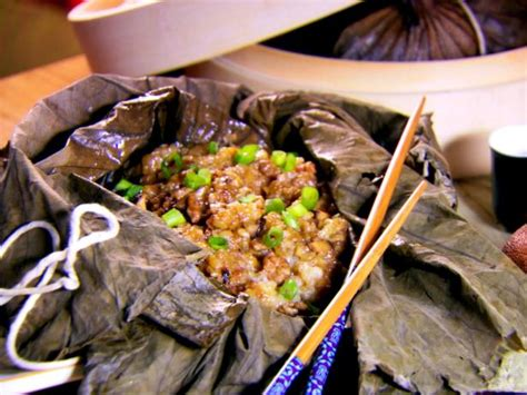 glutinous rice wrapped in lotus leaf sticky rice wrapped in lotus leaves recipes cooking