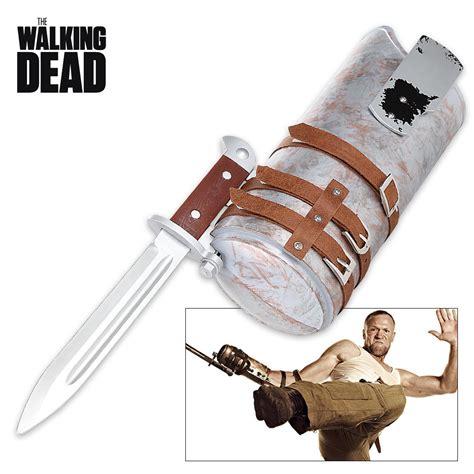 knives in the walking dead walking dead weapon merle knife budk