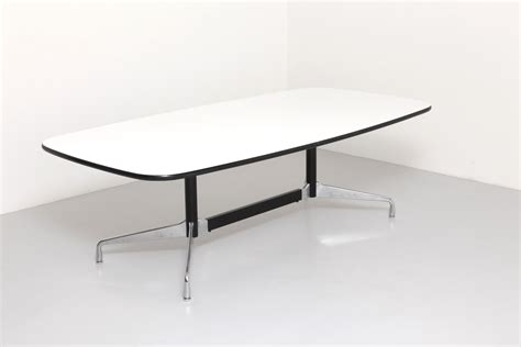 Eames Aluminum Group Table for Herman Miller   modestfurniture.com
