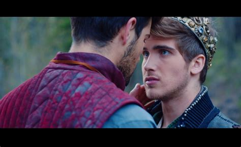 joey graceffa uses music video to come out and youtube