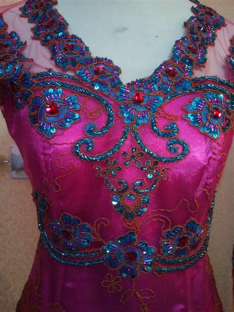 Terbaru Setelan Kebaya Kutu Baru Nirmala Tosca New model baju kebaya warna tosca newhairstylesformen model baju kebaya warna tosca