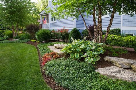 landscape beds midwest landscaping west chicago il photo gallery
