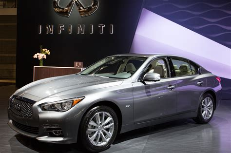 2016 infiniti q50 engine lineup shown in chicago