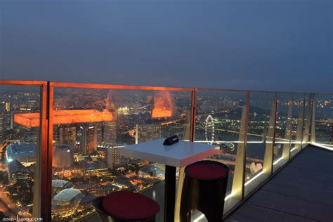 Roof Top Bar In Singapore by 1 Altitude Gallery Bar Reaching New Heights In