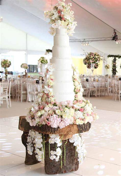 Wedding Cake Styles 2016 by Wedding Cake Trends For 2016