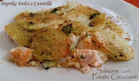 cucinare il salmone a fette salmone fresco con patate croccanti paprika dolce e cannella