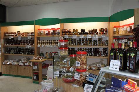 arredo negozi alimentari arredamento negozio alimentare arredo fungaio