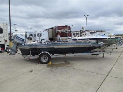 18 foot bass boat 1984 chion boats 18 foot bass boat springfield