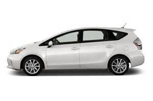 2013 Toyota Prius V 2013 Toyota Prius V Reviews And Rating Motor Trend