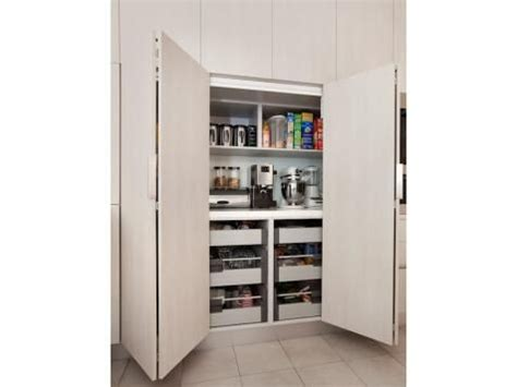 bifold kitchen cabinet doors 25 best ideas about bi fold doors internal on pinterest