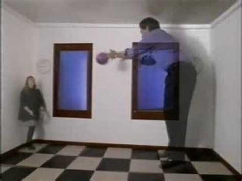 ames room illusion ramachandran ames room illusion explained