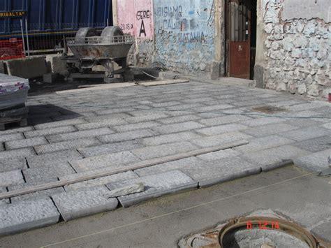 pavimenti in pietra lavica pavimento in pietra lavica lavorato a puntillo belpasso