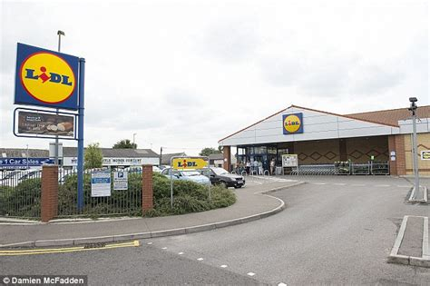 lidl plymouth aldi volkswagon and sony win which awards beating lidl