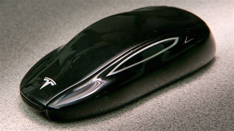 Tesla Key Fob Tesla S Bluetooth Key Fob Could Help You Find Your
