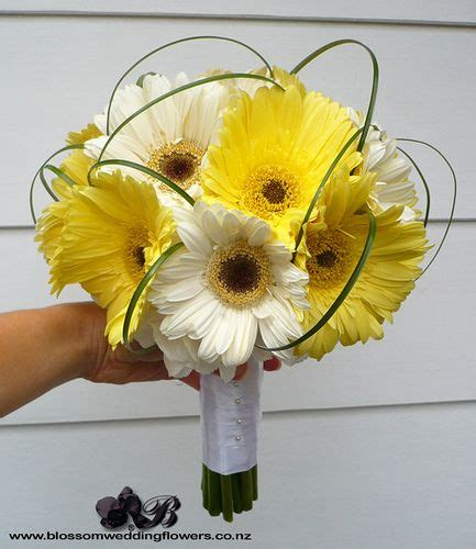 Ideas For Gerbera Flowers 25 Best Ideas About Gerbera Wedding Bouquets On Pinterest Gerbera Bridal Bouquet Gerbera