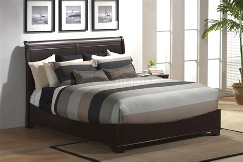 Modern Sleigh Bed Modern Sleigh Bed In Cappuccino Finish
