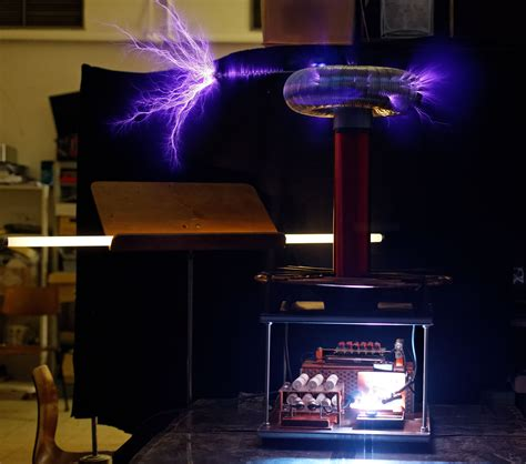 History Of The Tesla Coil File 225w Zeus Tesla Coil Arcs3 Cropped Jpg