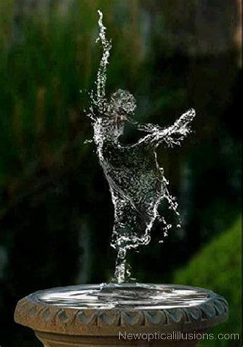 water balerina optical illusion