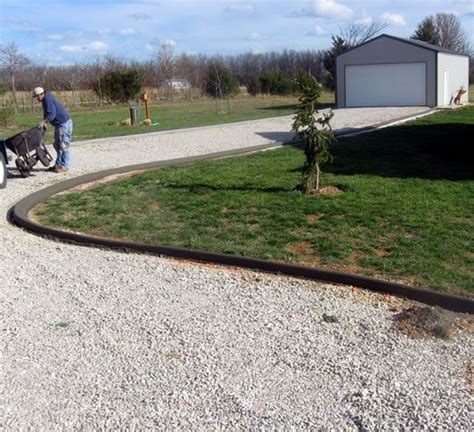 driveways borders driveway edging and entries fs 300x273 driveway edging 02 home ideas