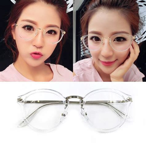 Kacamata Korea Lives Bulat fashion item ala drama korea yang bisa menginspirasi gaya
