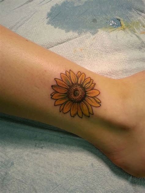 small sunflower tattoo on wrist small sunflower on wrist best of small sunflower