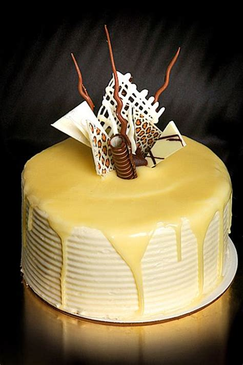 Decorating With Ganache by 25 Best Ideas About White Chocolate Mud Cake On