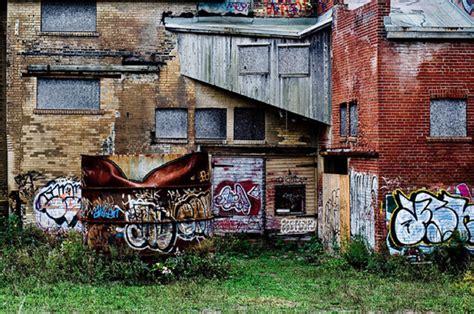remove graffiti from brick