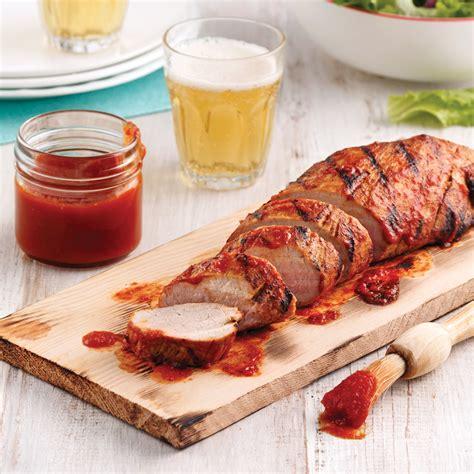 filet de porc sur planche de c 232 dre avec 171 ze 187 sauce