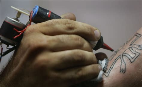 homemade tattoo needle why getting a in prison is a really bad idea