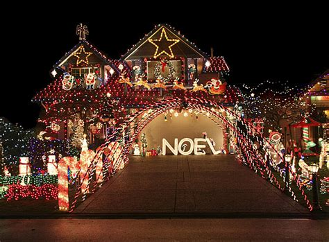 when should you take down your christmas decorations