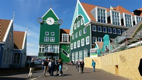 the station next door picture of inntel hotels amsterdam zaandam zaandam tripadvisor entrance to station foto inntel hotels amsterdam zaandam zaandam tripadvisor