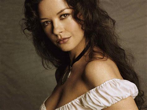 Catherine Zeta | hotties naughties and flesh who is hotter leading
