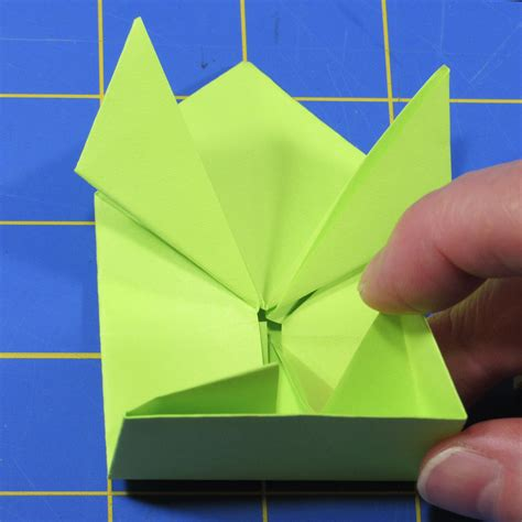 Origami Up Frog - fold up a jumping origami frog with led make