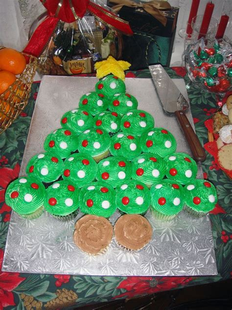 Tree Decorations For Cakes by Best 25 Tree Cupcake Cake Ideas On