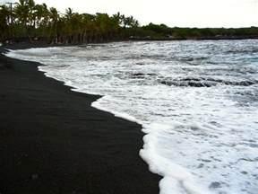 with black sand punaluu black sand beach 013 techhui