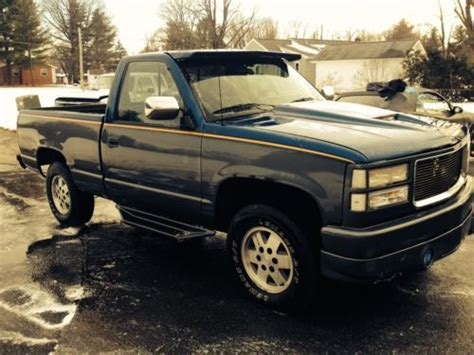 sell used 1990 gmc k1500 custom paint and bumper