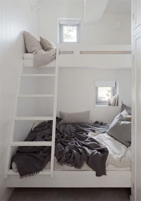 bunk beds in a small room 25 best ideas about loft bunk beds on
