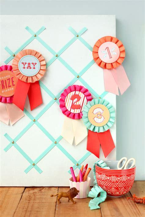 diy wedding place cards with ribbon diy prize ribbon printables julep
