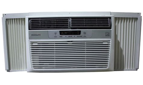 8000 Btu Window Air Conditioner by Frigidaire 8 000 Btu Window Air Conditioner Ffre0833s1