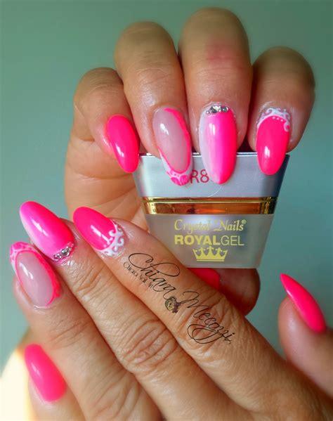 Manicure Di The Nail Shop unghie raffinate e piene di colore con i prodotti