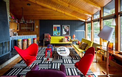 Weekend Getaway Luxury Lounging At Home by Renovated House From The 60s Appeals With Its Modern Charm
