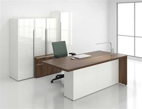Office Desk Modern The 25 Best Office Table Ideas On Office Table Design Design Desk And Modern