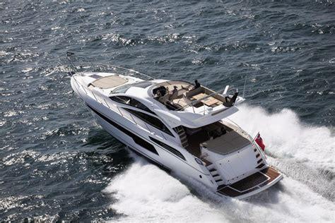 motorboot jacht motorjacht sunseeker 68 sportyacht nederland huren jacht